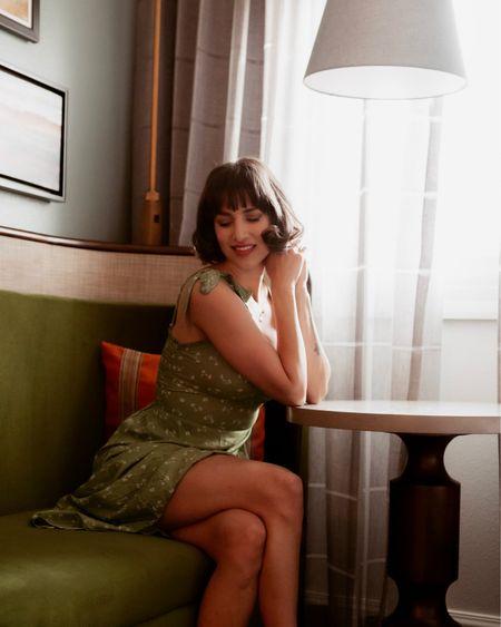 Another look at this beautiful green midi dress.    http://liketk.it/3ePl6 @liketoknow.it #liketkit #LTKunder50 #springoutfit #mididress