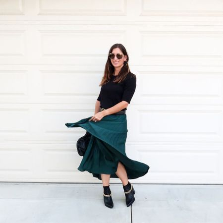 Twirling into fall 💃🏻 pleated skirts are hot this fall and this one is fun! ❤️🙌  #LTKstyletip #LTKshoecrush #LTKitbag