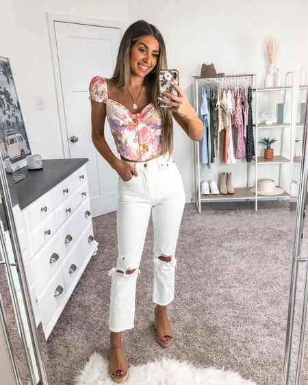 My fave Windsor outfit to date 🤍 floral corset top is under $40! 💐 my white jeans are AMAZING and tts! Wearing a 24 short #liketkit http://liketk.it/3ifIG @liketoknow.it #LTKunder50 #LTKunder100 #LTKstyletip