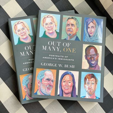 👉 Just GIVE IT AWAY!👈 How many times have you accidentally added to cart again and not checked the quantity at checkout?? 🙋🏼♀️🙋🏼♀️🙋🏼♀️ If you let me know in the comments below👇, you'll be entered into a GIVEAWAY for this book, @georgewbush's latest, OUT OF MANY, ONE. It's so good, I already gave my extra to my neighbor but I'm ordering more! I want to send it to TWO OF YOU, too! You can also tag your friends in separate comments for entries. I'll announce the winner on Sunday in my stories! Good luck! 🍀 #EPluribusUnum #reminder #reset #anationofimmigrants #America #geogewbush   Bonus: I posted this photo in the @liketoknow.it app with links to the book and furniture and fixtures from my breakfast area. There's a link in my profile to my page there 👉 @tellittoyourneighbor.   http://liketk.it/3edLV #liketkit #LTKhome @liketoknow.it.home