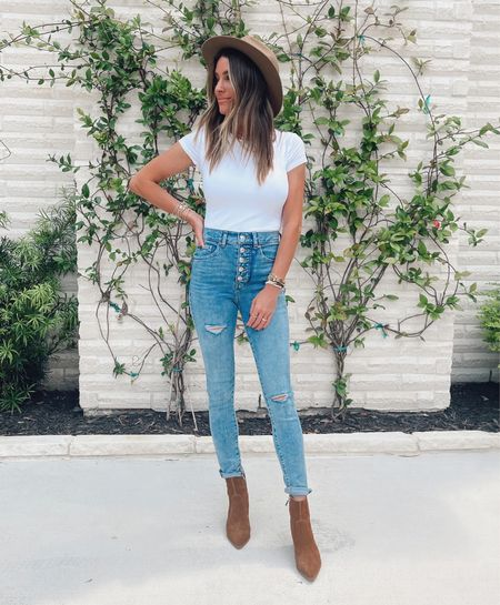 fits like a bodysuit, but it's a tee and super soft! Jeans are very flattering and fit great! True to size for both.        #LTKstyletip
