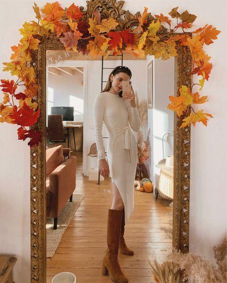{ Dream knit dress ✨ Je continue de m'habiller même confinée mais combien de temps cela va-t-il durer haha ? 🤪 J'ai acheté cette robe en viscose Ecovero avant le confinement et je l'aime tellement (lien en Stories) que je n'ai pas pu résister au plaisir de la porter à la maison ♥️ D'ailleurs je partage tous mes looks du quotidien sur mon blog dans ma rubrique «Looks Du Jour» si ça vous intéresse (lien dans ma bio) 🧶 Vous aimez ? #DaphnesOutfits #knitdress #andotherstories #frenchstyle #parisianstyle #neutrals #aesthetic }  http://liketk.it/30fj1 #liketkit @liketoknow.it