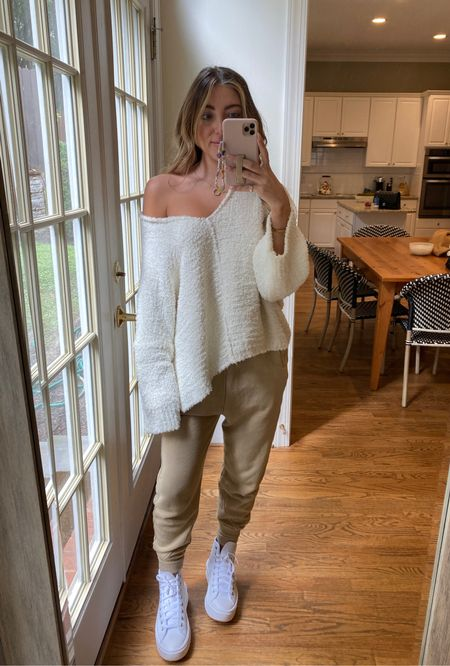 Cozy sweater cream sweater  Barefoot dreams dupe sweater  Small  Code CAMPBELL15