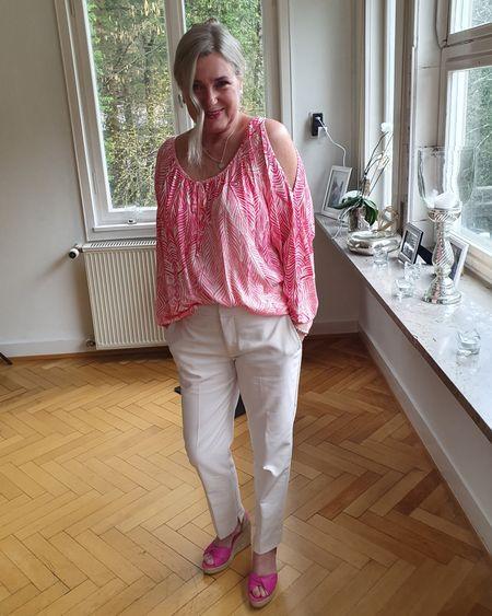 Think Pink 🌼🌸🌼   http://liketk.it/2LfZX @liketoknow.it #liketkit #LTKstyletip