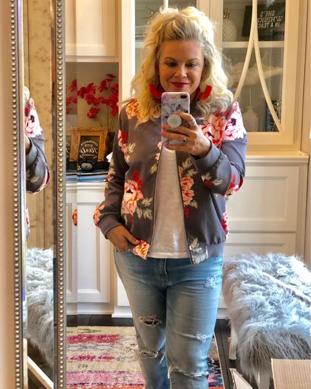 This floral bomber jacket is EVERYTHING. Comfy and cute... I'm here for it. Pair it with your favorite jeans, basic tee, and statement earrings. 💙 http://liketk.it/2DAfV #liketkit @liketoknow.it
