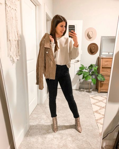 Monochromatic, simplistic look of the day. Perfect pieces if you're building a capsule wardrobe!  http://liketk.it/36Lsn @liketoknow.it #liketkit #LTKunder50 #LTKstyletip #LTKshoecrush