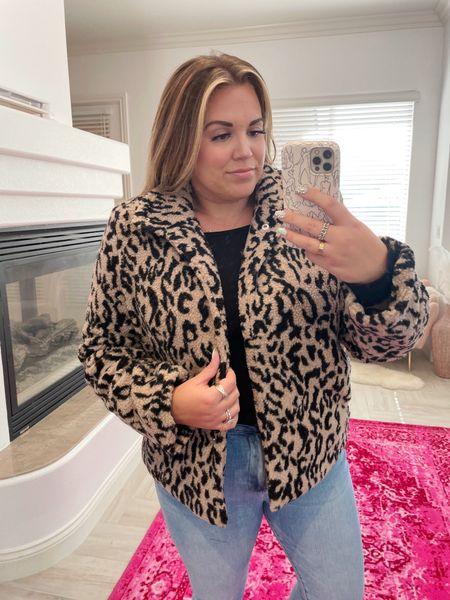 Amaryllis Warehouse Sale curvy look! wearing the size xl in black top, size xl in leopard teddy jacket, and size 14 in skinny jeans   #LTKcurves #LTKunder50 #LTKsalealert