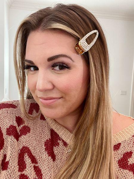 Amaryllis Warehouse Sale curvy look! wearing size xl in leopard sweater and clip is under $5!   #LTKcurves #LTKunder50 #LTKsalealert