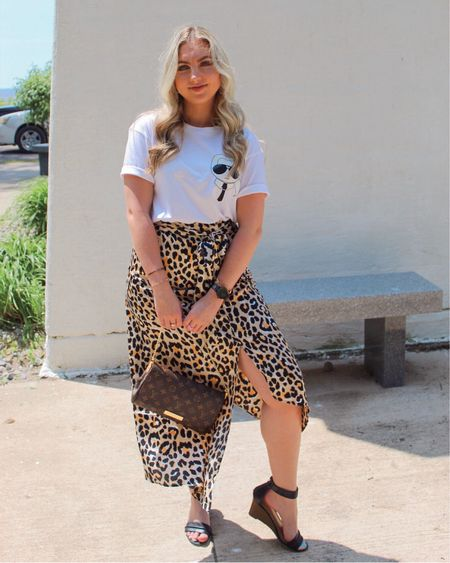 Was wildly overdressed at Sylvan Beach this weekend but I thought my outfit was spot on. 🐆 @liketoknow.it #liketkit http://liketk.it/2CTfp