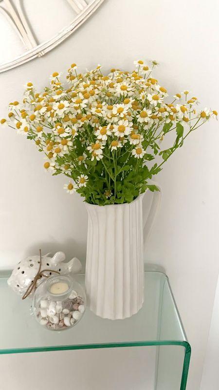 Exact $14.99 vase linked. It's 10 inches tall. Chamomile from Trader Joe's.   @liketoknow.it http://liketk.it/3gSTo #liketkit        #LTKunder100 #LTKhome #LTKunder50