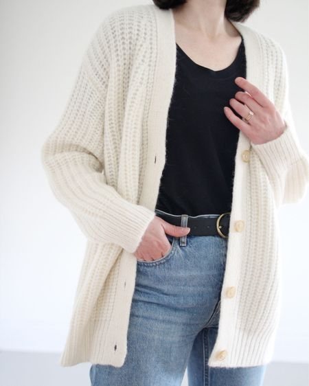 Close up on the amazing texture of the Alpaca Cocoon Cardigan by Jenni Kayne (gifted). I can't compare it to anything better than how I imagine a cloud feels on!  Use LEE15 FOR 15% Off Jenni Kayne (alpaca cardigan shown, wearing an XS, size down).   Use LEEV20 for 20% Off Able (tts, wearing a small in the Mae Drapey tee).    http://liketk.it/3gBE1 #liketkit @liketoknow.it