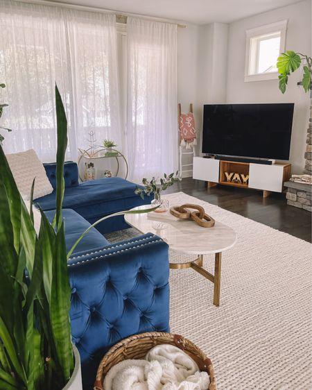 Living room decor  http://liketk.it/3ijqd #liketkit @liketoknow.it #LTKsalealert #LTKhome #LTKstyletip