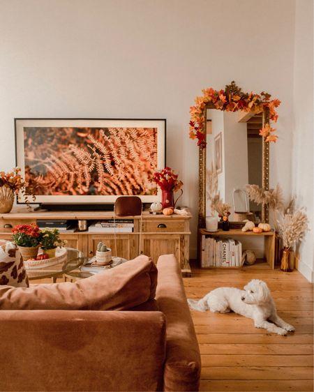 { Home Sweet Home 🧡🍁🍂 Je vous montre ma déco d'automne sur le blog + mes astuces pour apporter une touche d'automne à votre intérieur avec des éléments naturels, peu coûteux et à garder au fil des années (le lien de l'article dans mes Stories)  Et vous, vous aimez changer un peu votre déco au fil de saisons ? 🤗🌻🍁  Ça me rend toujours super heureuse moi, c'est tellement  important de se sentir bien chez soi à cette saison je trouve 😁🏠☁️  Tagguez moi sur vos photos ou Stories de déco d'automne 🤗  #homesweethome #athomewithdaphne }  http://liketk.it/2ZYgQ @liketoknow.it #liketkit
