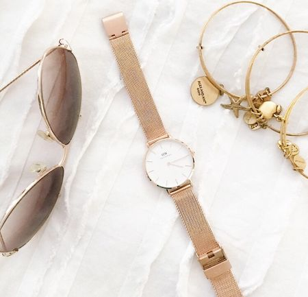 Gold and rose gold and my current favorite accessory colors and this @danielwellington watch is simply perfect! Use code STYLEDTEACHER15 to get 15% off your purchase (good through the end of April)! Trust me, you'll love this watch 😍😍 http://liketk.it/2r3PW #liketkit @liketoknow.it #DWClassicPetite #danielwellington #ad