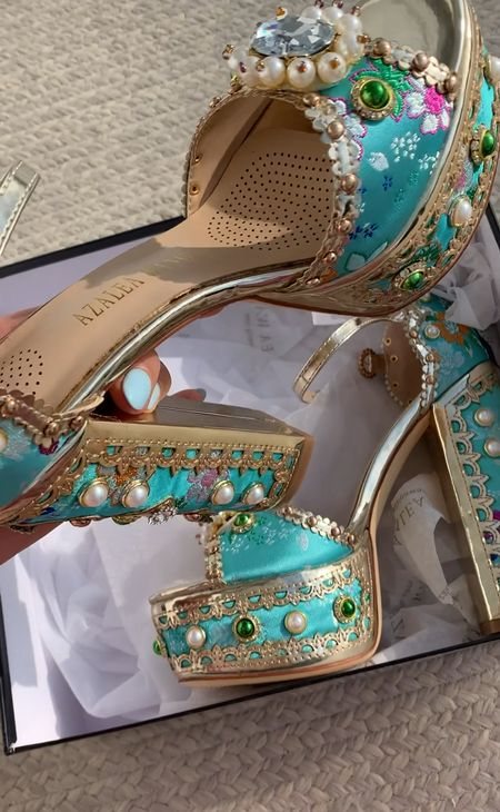 New season new statement shoe✨🦋 Also linking some other cuties I just ordered from ShopAkira  http://liketk.it/3c5Jq  #liketkit @liketoknow.it #LTKSpringSale #LTKshoecrush #LTKunder100 #statementshoe #butterflydetail #spring #springstyle #eastersale #booties #shoes #heels  #LTKshoecrush #LTKunder100 #LTKsalealert