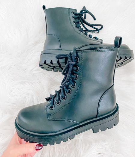 The BEST black combat boots 🖤 They have a functional zipper on the side and they lace up 👏🏼  they're super comfortable and run true to size! . . . Combat boots, boots, booties, fall boots, winter boots, black boots, black combat boots  #LTKunder50 #LTKSeasonal #LTKshoecrush