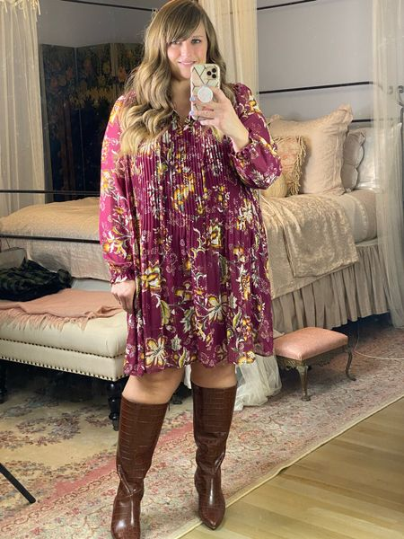 This dress is under $20 and perfect for fall photos!
