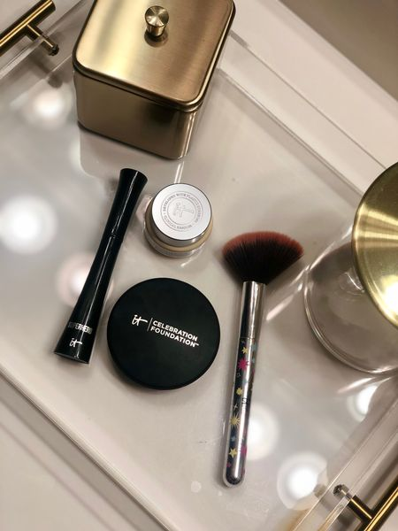 """Here are my top IT Cosmetics favorite products 😍 they are currently having a buy more save more sale, perfect for holiday shopping! Also you can use code """"ITSROSY"""" for a rosy tone kit when you spend $100 or more before the discount 🤗   http://liketk.it/344ke #liketkit @liketoknow.it #LTKunder50 #LTKsalealert #LTKbeauty #itcosmetics #beauty #favoritemakeup #salealert #holidayshopping"""