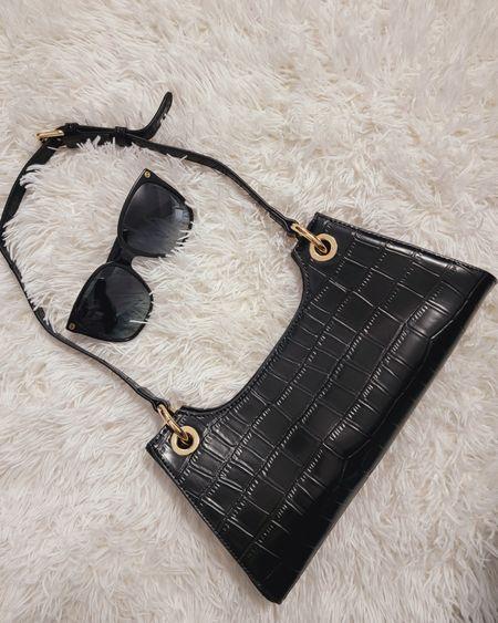 Leather purse. http://liketk.it/3jkZ4 @liketoknow.it #liketkit #LTKunder50 #LTKtravel #LTKstyletip #LTKunder100 #LTKitbag