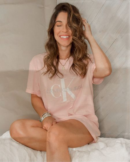 Pink Calvin Klein Oversized T-shirt and my go-to Nume curling wand for the perfect curls every time!  #LTKSeasonal #LTKunder50 #LTKunder100