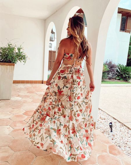 The back of the floral maxi dress is so stunning! Perfect for a wedding or any other event you have this summer! http://liketk.it/3h1wa @liketoknow.it #liketkit #LTKstyletip #LTKunder100 #LTKwedding #weddingguestdress #floral #maxi