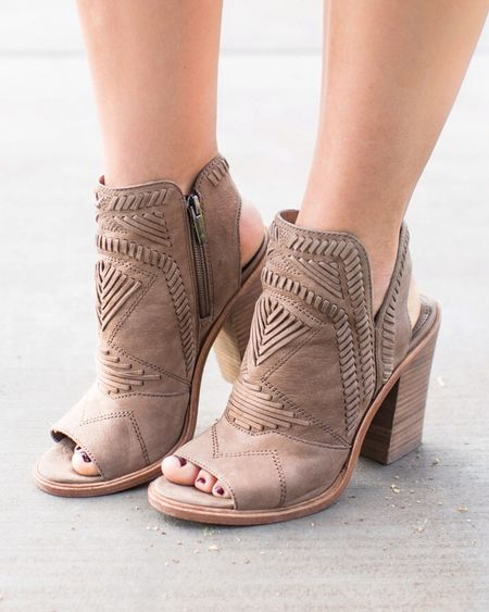 Hands down my favorite booties of all time, & they're now 40% off! They come in 3 colors & are the comfiest pair of peep toes I own. I may need the other two colors! 😬 @liketoknow.it http://liketk.it/2vawQ #liketkit #LTKshoecrush #LTKsalealert #LTKunder100