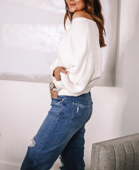express top and jeans on sale - fit tts #anna_brstyle    #LTKSale