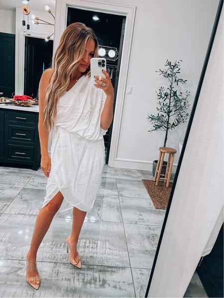Size small - code magen20  White dress, bride, shower