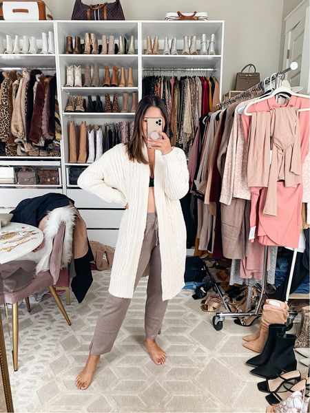 This chenille cozy cardigan from SOMA is so soft! Love wearing it around the house! #chenillecardigan #cozycardigan #whitecardigan #loungewear #joggers #soma #blackbra #somabra  #LTKunder100