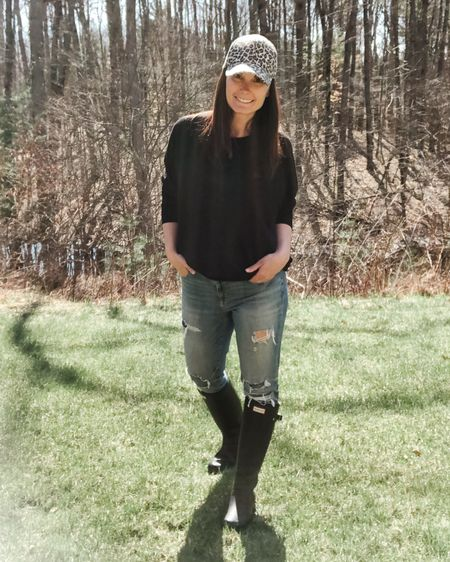 Heading outside on this gorgeous day to play in the dirt, move some rocks and pool prep. I always toss on my Hunter boots when we're working outside no matter the season. I just noticed they're 60% off right now @Nordstrom, which is huge!! http://liketk.it/2Nb7a #liketkit @liketoknow.it #LTKsalealert #StayHomeWithLTK #LTKspring Download the LIKEtoKNOW.it shopping app to shop this pic via screenshot