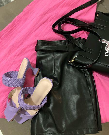 Fall fashion loading…. 🙂 // hot pink blazer , black faux leather shorts and lilac heels 💃🏻  Nasty gal shorts // pink blazer // lilac heels // fall outfits // fall looks  #LTKSeasonal #LTKsalealert #LTKunder100