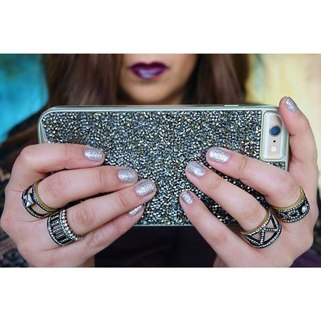 #HotlineBling ✨    When you ask @kerrieraecabral to match your #manicure ?? to your #iPhone case ?    Get ready-to-shop deets ?? @liketoknow.it www.liketk.it/25rkP #liketkit