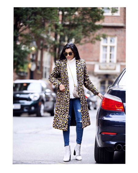 <Leopard coat> Leopard print can be a little over the top, but it's perfect for instantly upgrading any outfit! Also, it's effortlessly chic and super fun to wear!❤️ Linked all my outfit details and some of my favorite leopard coats here-  http://liketk.it/2zh5e #liketkit @liketoknow.it  You can follow me on the LIKEtoKNOW.it app to get the product details for this look and others! Happy Friday!❤️