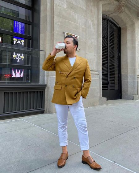 Always minding my own business #literally #businessman #workflow _  Shop my #JVInstaShop looks directly via @liketoknow.it or by clicking the link-in-bio #liketkit http://liketk.it/3hJUY