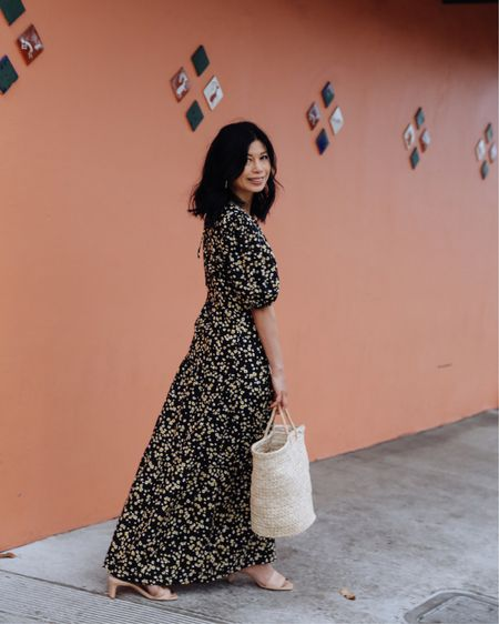 Can you tell how much I love wearing dresses💛🧡🖤 This #maxidress is similar to the pink and orange polka dot dress that I shared last week.  I love the cut, the material, and the style - perfect to combat the heat.   Shop my daily looks by following me on the LIKEtoKNOW.it shopping app http://liketk.it/3gWDR #liketkit @liketoknow.it #LTKunder50 #LTKsalealert #LTKstyletip