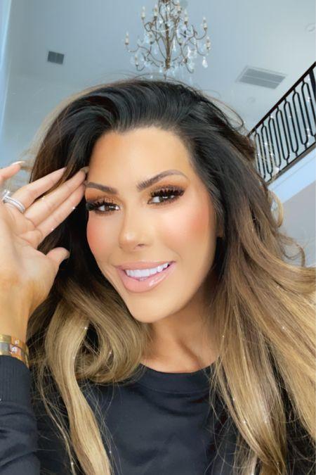 http://liketk.it/3i9db #liketkit @liketoknow.it #LTKbeauty #LTKsalealert Amazon finds, Amazon, look for less, beauty, makeup, eye liner, eye shadow, urban decay, Emily Ann Gemma, eye glitter, makeup set