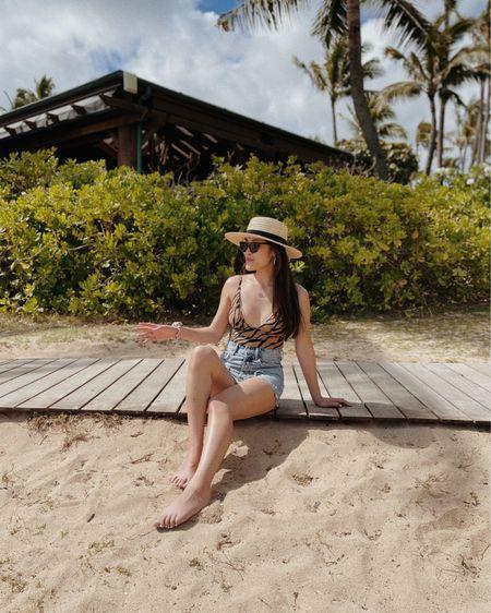 Hawaii outfits/ denim shorts/Summer outfits/beach outfits/swimwear 🌊 http://liketk.it/3hERA #liketkit @liketoknow.it #LTKstyletip #LTKtravel #LTKsalealert