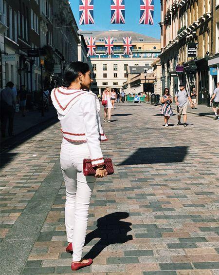 A white out on this sunny day ☀️☀️✨ #londondiaries #styleblogger #fashionblogger #gannijacket #ganni #tommyjeans #tommyhilfiger #chloe #chloeflats #scallopedflats #chloelauren #chloelaurenflats #alaia #alaiaclutch #alaiabag #maroonbag #ootdfashion #ootdstyle #luxuryfashion #liketkit @liketoknow.it http://liketk.it/2wnDZ