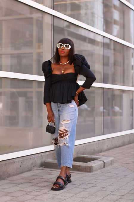 Black & Denim 🖤🧢|| Hope you're all having a lovely Sunday so far. Having another go of this look because this fab top is now on sale. Swipe up link available in my stories. ___ Or follow me on the LTK app for details. @liketoknow.it http://liketk.it/3k1Ci #liketkit #sundaystyle