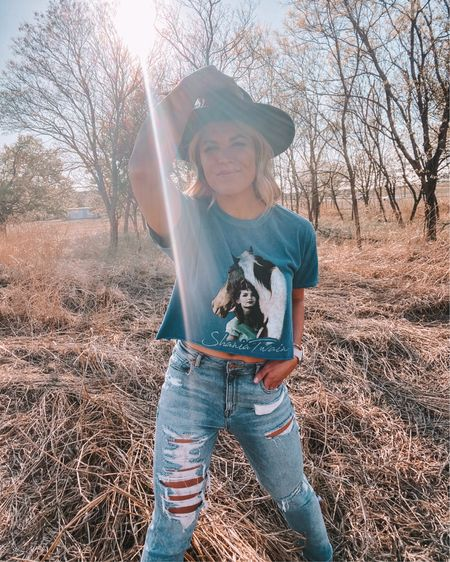 """let's go girls 🤠🐴 I'm so excited that the spring earring collection with @izzyannesociety is officially live! I got to hand pick 5 earring styles as a part of a collab and this one is the """"Shania"""" - there's a link in my bio to shop them all!  . . I linked my Shania Twain band tee and the rest of my outfit with @liketoknow.it here: http://liketk.it/3erjx . If you saw my stories about the tick infestation during a photo shoot……these pics are the ones and they were totally worth it 😂 #doitforthegram #liketkit"""
