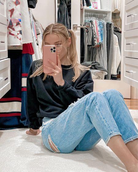 http://liketk.it/3evXH Shop my daily looks by following me on the LIKEtoKNOW.it shopping app #liketkit @liketoknow.it #LTKfit #LTKunder100 #LTKstyletip #mirrorselfie #momjeans #streetwear #casualoutfit