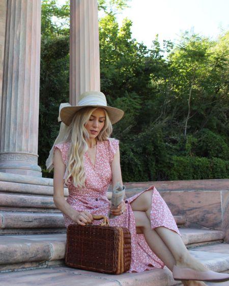 http://liketk.it/3hT1V #liketkit @liketoknow.it #LTKbaby #LTKbeauty #LTKunder100   The prettiest spring and summer dresses for the season.