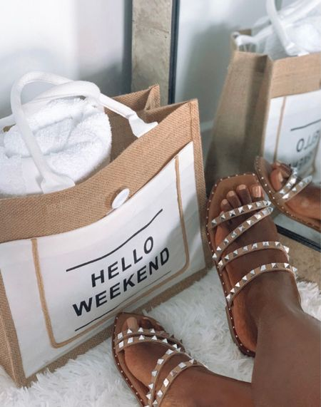 Sandals & Totes for summer    #LTKSeasonal #LTKsalealert #LTKshoecrush