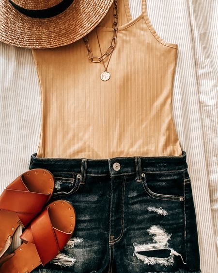 This ootd gives me sunshine vibes ☀️  I'm needing all the sunshine vibes ( & coffee ) on this Monday morning 😅☕️  Download the LIKEtoKNOW.it shopping app to shop this pic via screenshot http://liketk.it/3dLch #liketkit @liketoknow.it #LTKstyletip #LTKunder100 #LTKtravel
