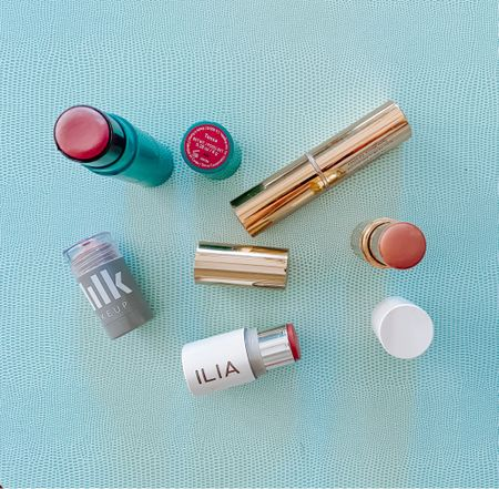 The ultimate makeup multitasker to keep in your bag for quick touch-ups. Multisticks give your cheeks a natural healthy rosy glow and your lips a tint of color 🥂