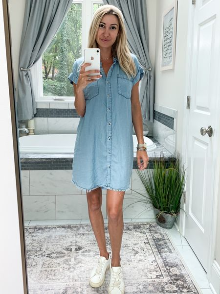 Linking all my favorite denim dresses from The Mint Julep Boutique