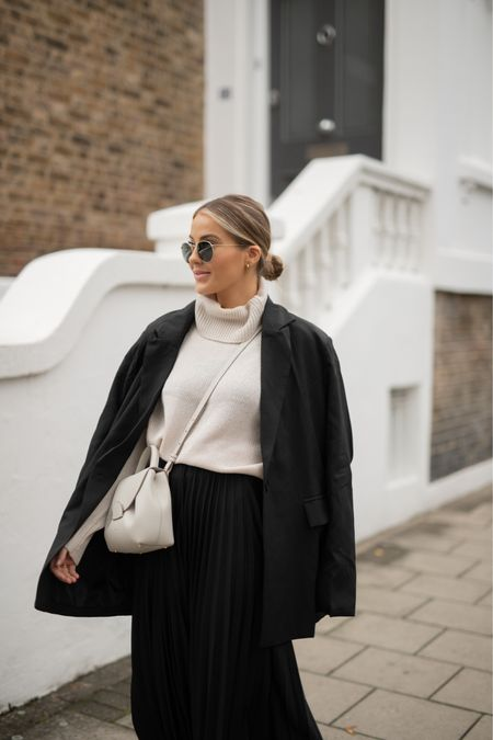 Chunky knit + midi skirt  A blazer & trainers always finish this look off perfectly 🤍