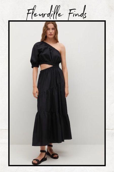 Such a chic dress for summer! @liketoknow.it http://liketk.it/3gOVg #liketkit #LTKunder100 #LTKstyletip