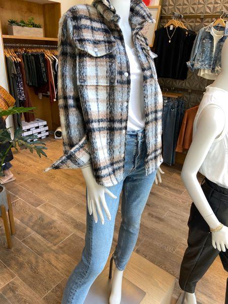 Fall essentials … shacket , jeans and tee✔️ . Grab 10% off   🍁🍂 . .   #LTKsalealert #LTKSeasonal #LTKstyletip