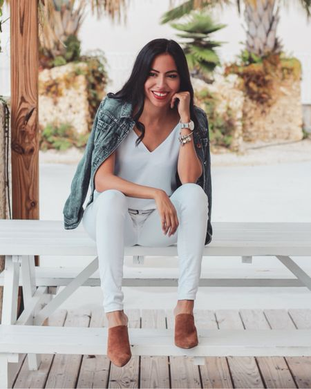 Get excited! Spring is coming and with it, tons of cute stuff 🤗 I can't deny it's my favorite season of all 🌸🌼 like this white on white look and a jean jacket accent which is the perfect transition piece.  Shop my look through the @liketoknow.it app or through the link in my bio http://liketk.it/2A3tW #liketkit #LTKstyletip #casuallooks #stylereport  #fashiontips #outfitshare #instafashionist #wiwn #instalookbook #styleshare #affordablestyle #realoutfit #miamiblogger #miamistyle #miamilife #effortlessstyle #wearitloveit #everydaystyle #momstyle #modalatina #modafemenina #modamujer #fashionfix #rewardstyle #americanstyle #latinablogger #everydaystyle #dressmeforless